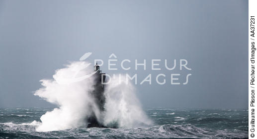 La Phare du Four - © Guillaume Plisson / Pêcheur d'Images / AA37231 - Nos reportages photos - Tempête