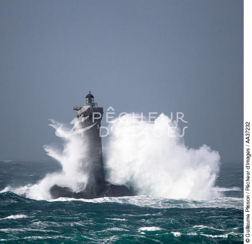 Le Four lighthouse - © Guillaume Plisson / Pêcheur d'Images / AA37232 - Photo Galleries - Storm at sea