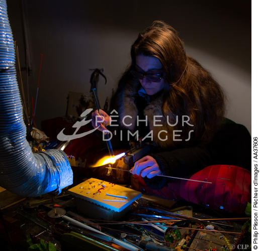 Jewelry making glass on Murano Island - © Philip Plisson / Pêcheur d'Images / AA37606 - Photo Galleries - Square format