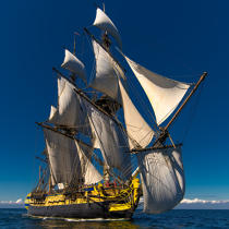 © Philip Plisson / Pêcheur d'Images / AA38640 L'Hermione at sea - Photo Galleries - Monohull