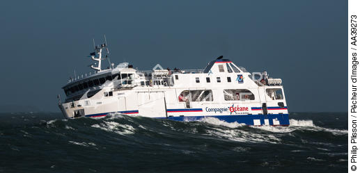 Ferry conecting Quiberon and  Belle ile - © Philip Plisson / Pêcheur d'Images / AA39273 - Photo Galleries - Weather