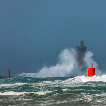 © Philip Plisson / Pêcheur d'Images / AA39412 Le Four lighthouse, 2017 Zeus storm - Photo Galleries - Maritime Signals