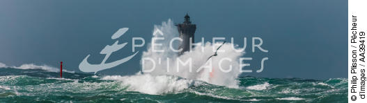 Le Four lighthouse, 2017 Zeus storm - © Philip Plisson / Pêcheur d'Images / AA39419 - Photo Galleries - Finistère