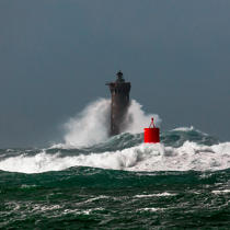 © Philip Plisson / Pêcheur d'Images / AA39423 Le Four lighthouse, 2017 Zeus storm - Photo Galleries - Maritime Signals