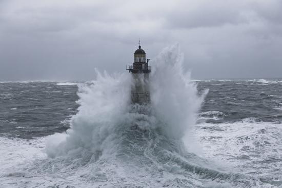 Plisson report photo - Winters storms on Brittany coasts