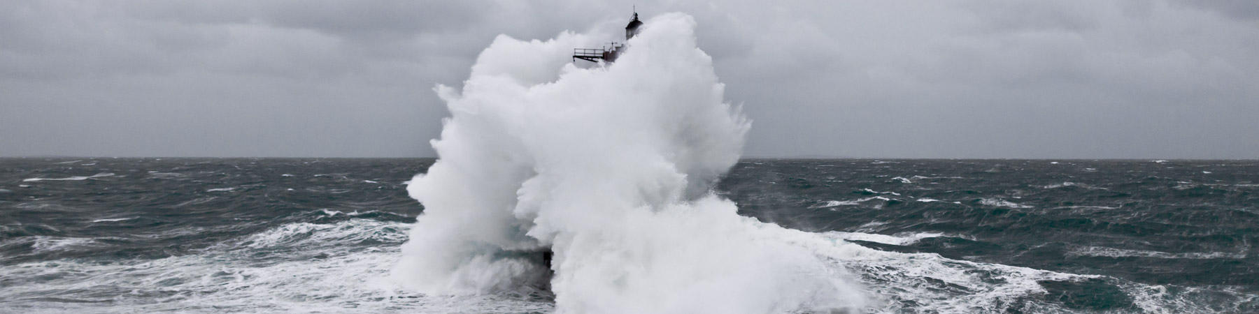 Winters storms on Brittany coasts - Photo Plisson